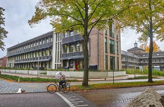 Van een school uit '48 naar een duurzaam wooncomplex, dat valt nog niet mee | Uden, Veghel e.o. | bd.nl
